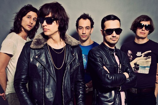 640x1000_the-strokes91394.jpeg